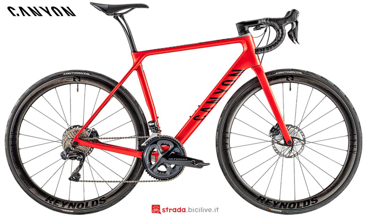 La nuova bici da corsa Canyon CF SL 8 Disc Shimano Di2 2021