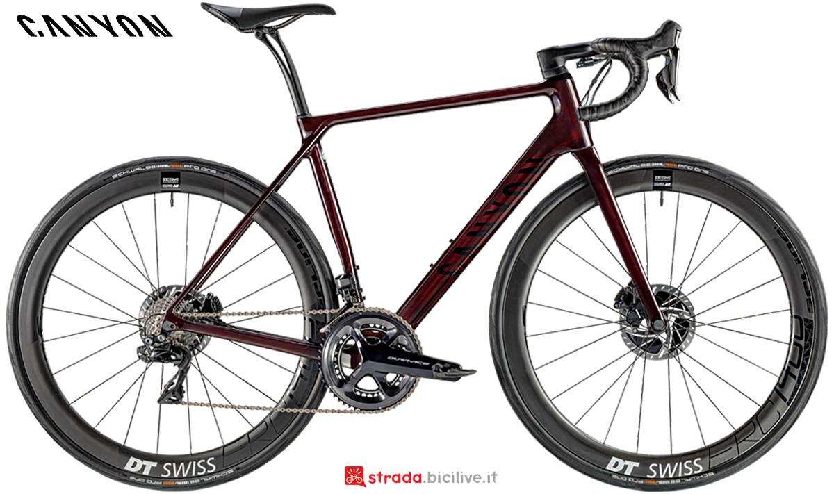 La nuova bici da strada Canyon Endurace CF SLX 9 Disc Shimano Di2 2021