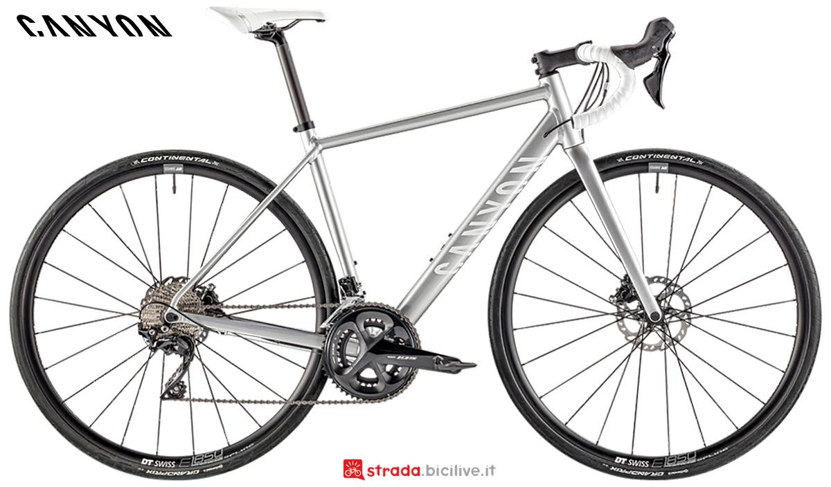La nuova bici da strada Canyon Endurace WMN Al Disc 7 Shimano 105 2021