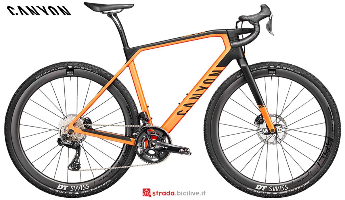 La nuova bici da strada Canyon Grail CF SLX 8 Shimano Di2 2021