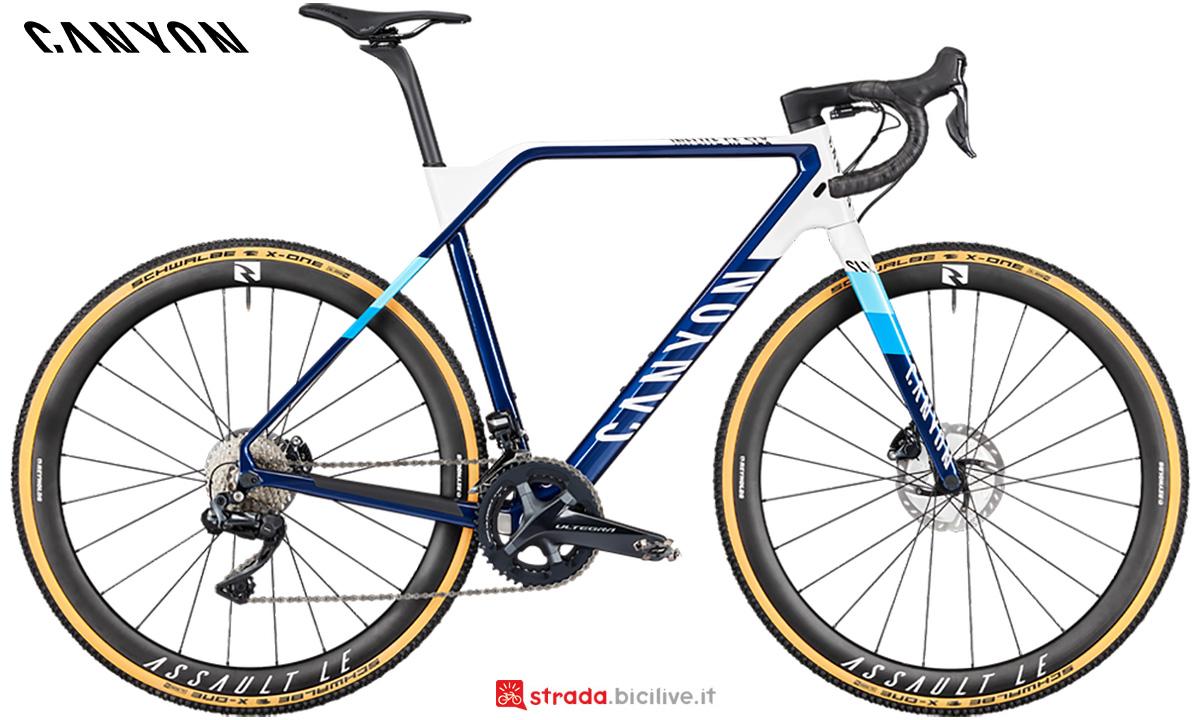 La nuova bici da corsa Canyon Inflite CF Slx 9 Team Shimano Di2 2021