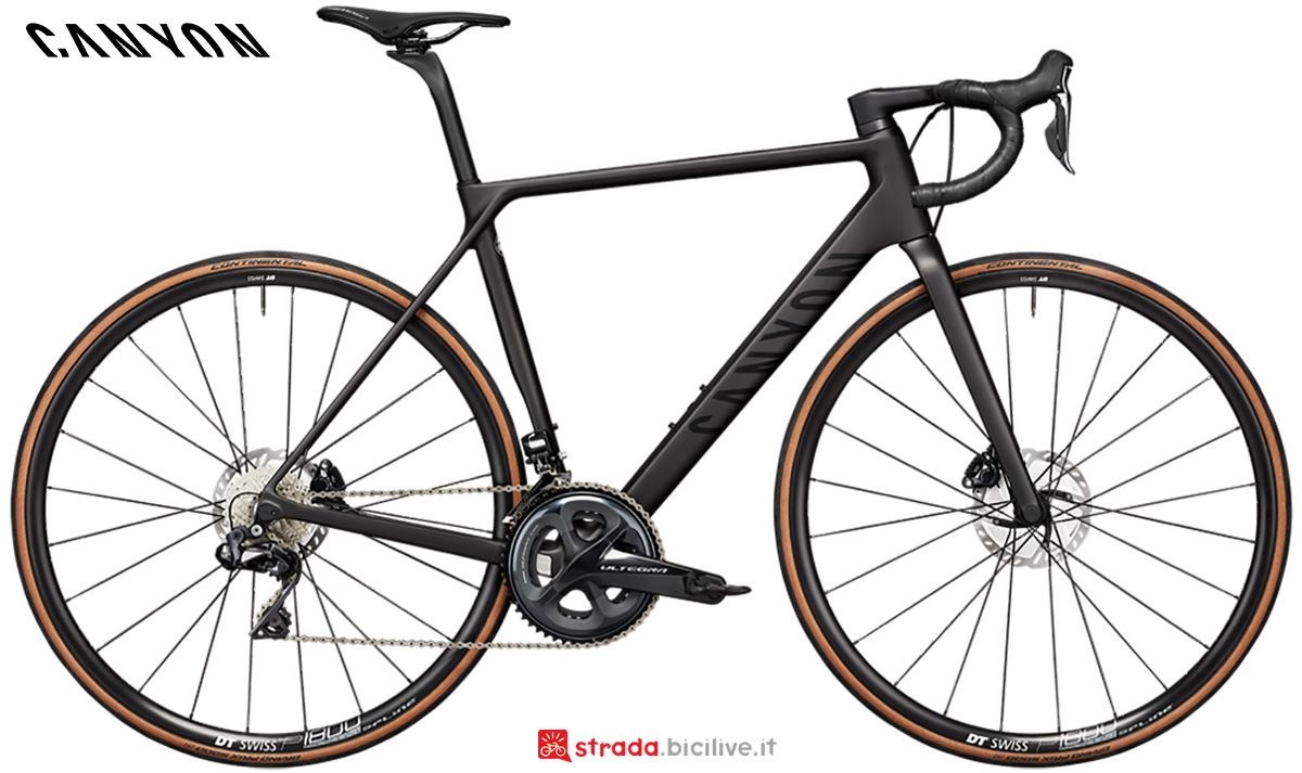 La nuova bici da strada Canyon Ultimate CF SL Disc 8.0 Shimano Ultegra Di2 2021