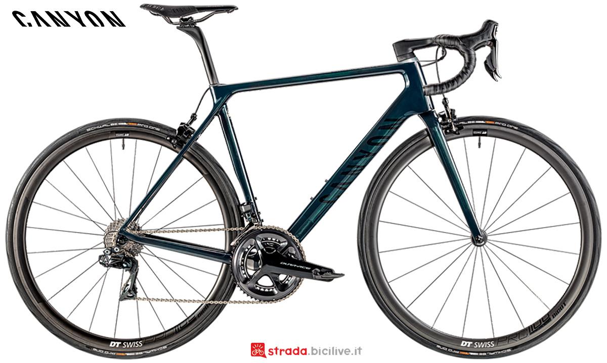 La nuova bici da corsa Canyon Ultimate CF SLX 9 Shimano Dura-Ace Di2 2021