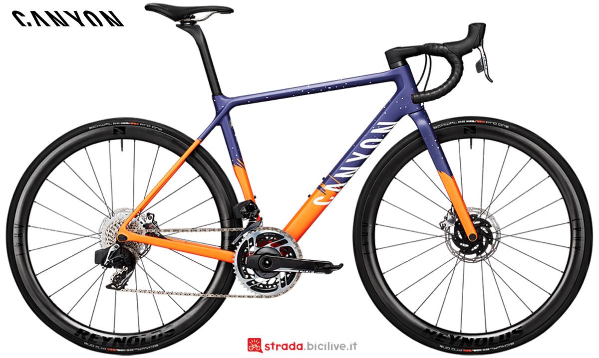 La nuova bici da strada Canyon Ultimate WMN CF SLX Disc 9 Sram Red Etap AXS 2021