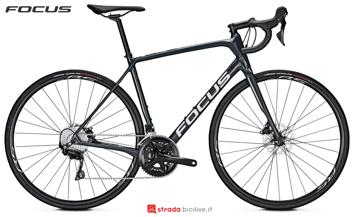Bici da endurance Focus Paralane 8.8 Disc con cambio Shimano Ultegra 105