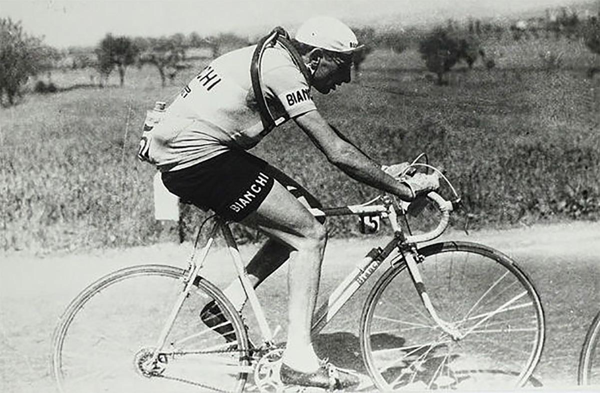 Fausto Coppi durante la Freccia Vallone del 1950