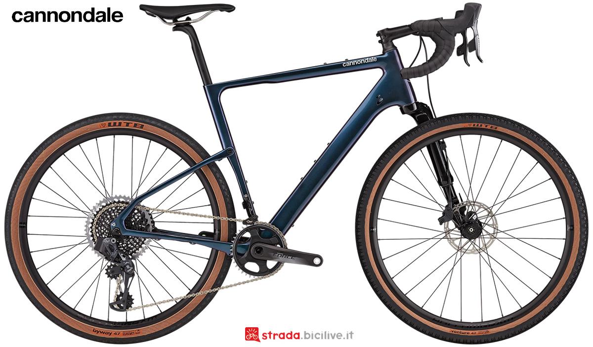La nuova bici da strada Cannondale Topstone Carbon Lefty 1 Force 2021