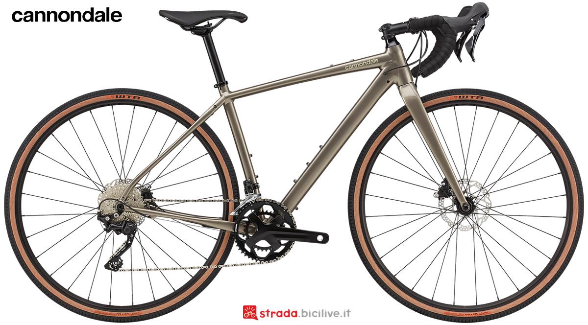 La nuova bici da strada Cannondale Topstone 2 Women's 2021