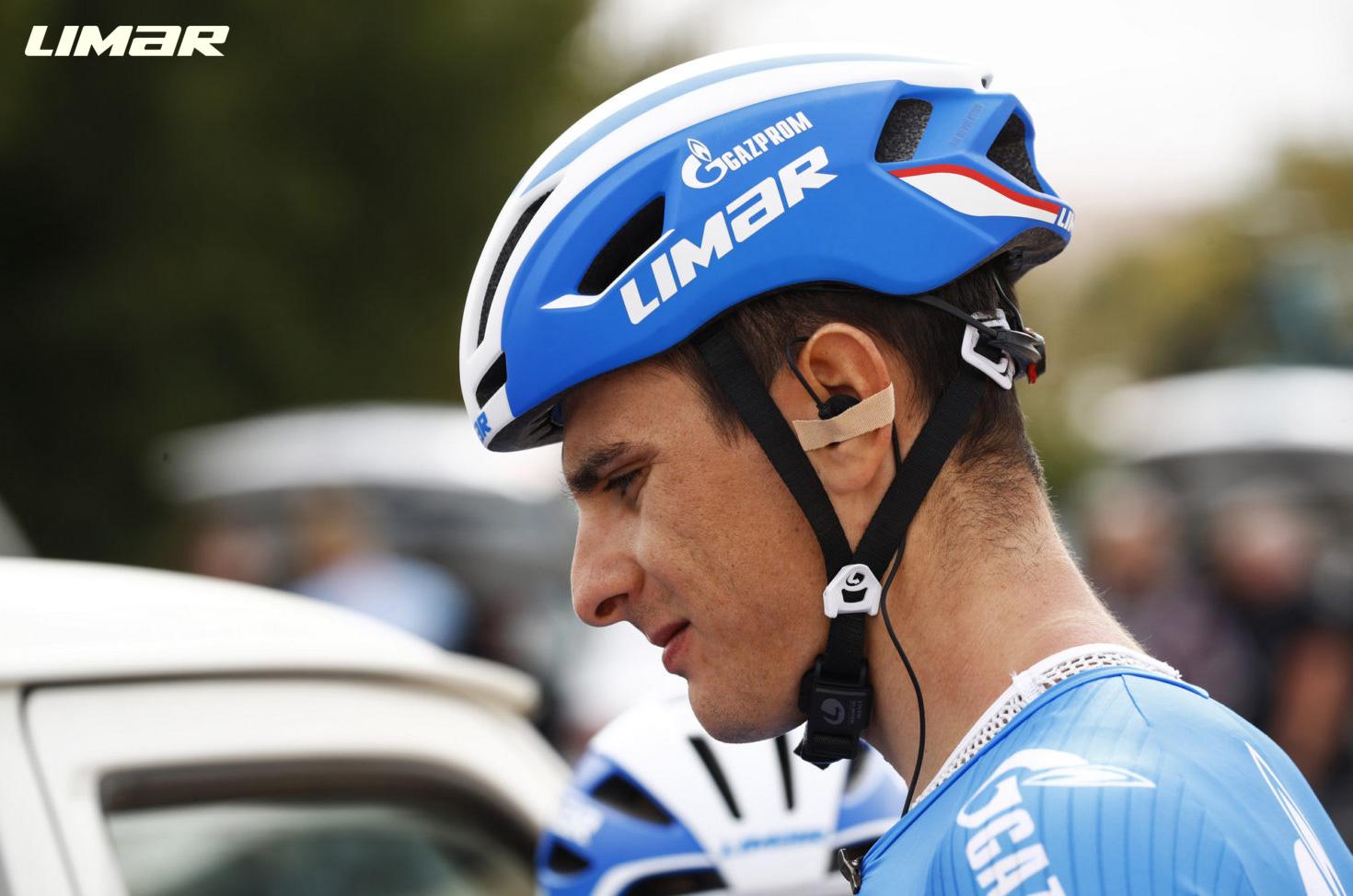 Ciclista indossa il casco Limar Air Speed 2021