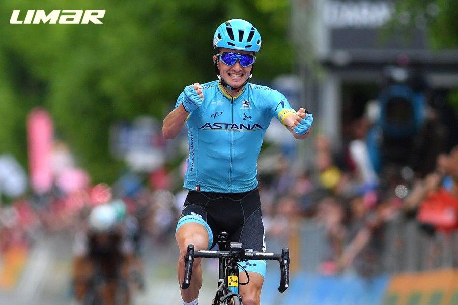 Il ciclista pro Pello Bilbao all'arrivo della tappa 7 del Giro d'Italia 2021