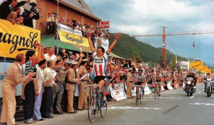Francesco Moser apre le braccia vittorioso