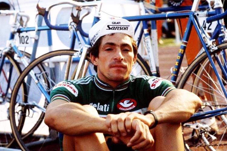 Francesco Moser seduto e riflessivo