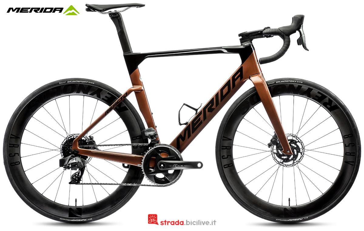 La nuova bici da strada Merida Reacto Force Edition CF3 2021