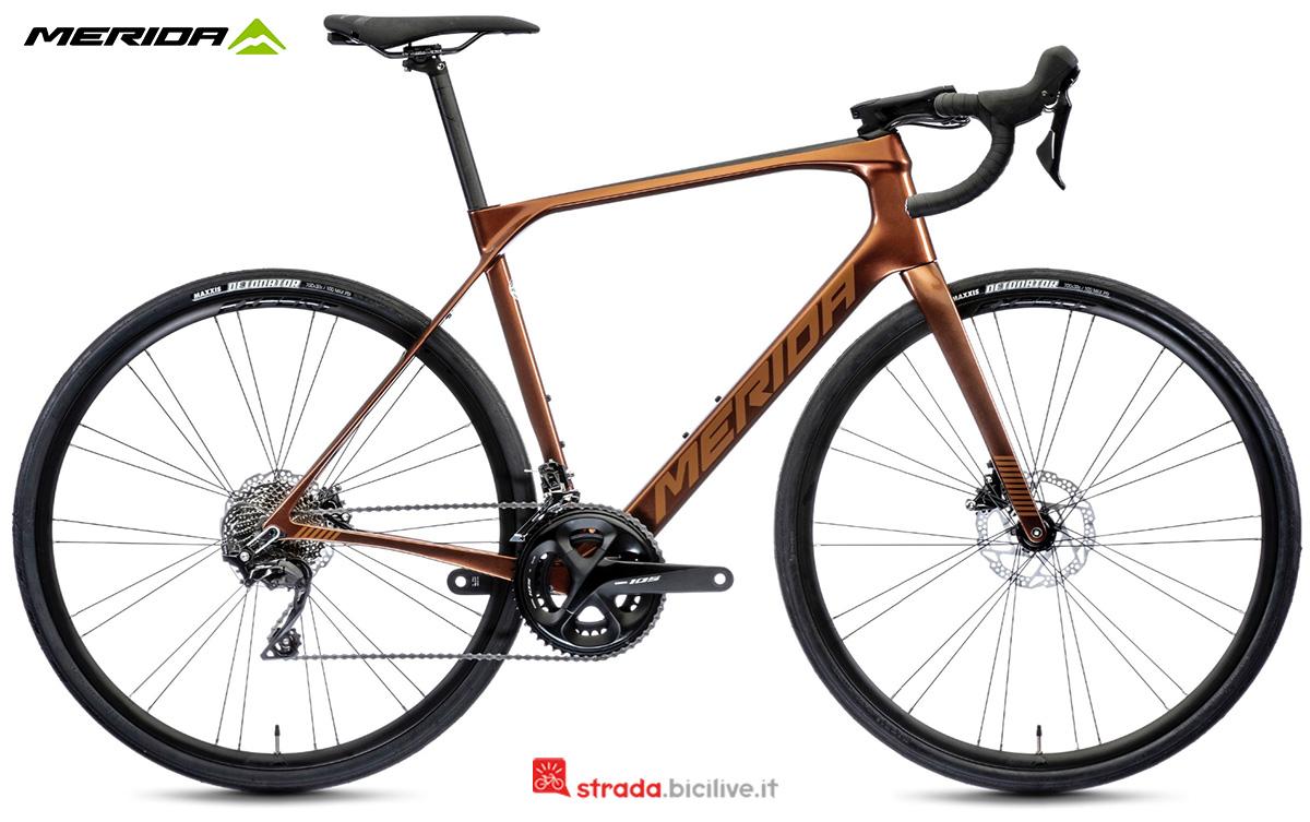La nuova bici da corsa Merida Scultura Endurance 4000 CF3 2021
