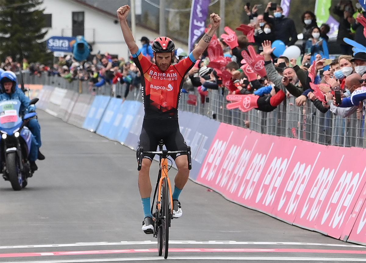 Uno scatto di Damiano Caruso al traguardo del Giro D'Italia 2021