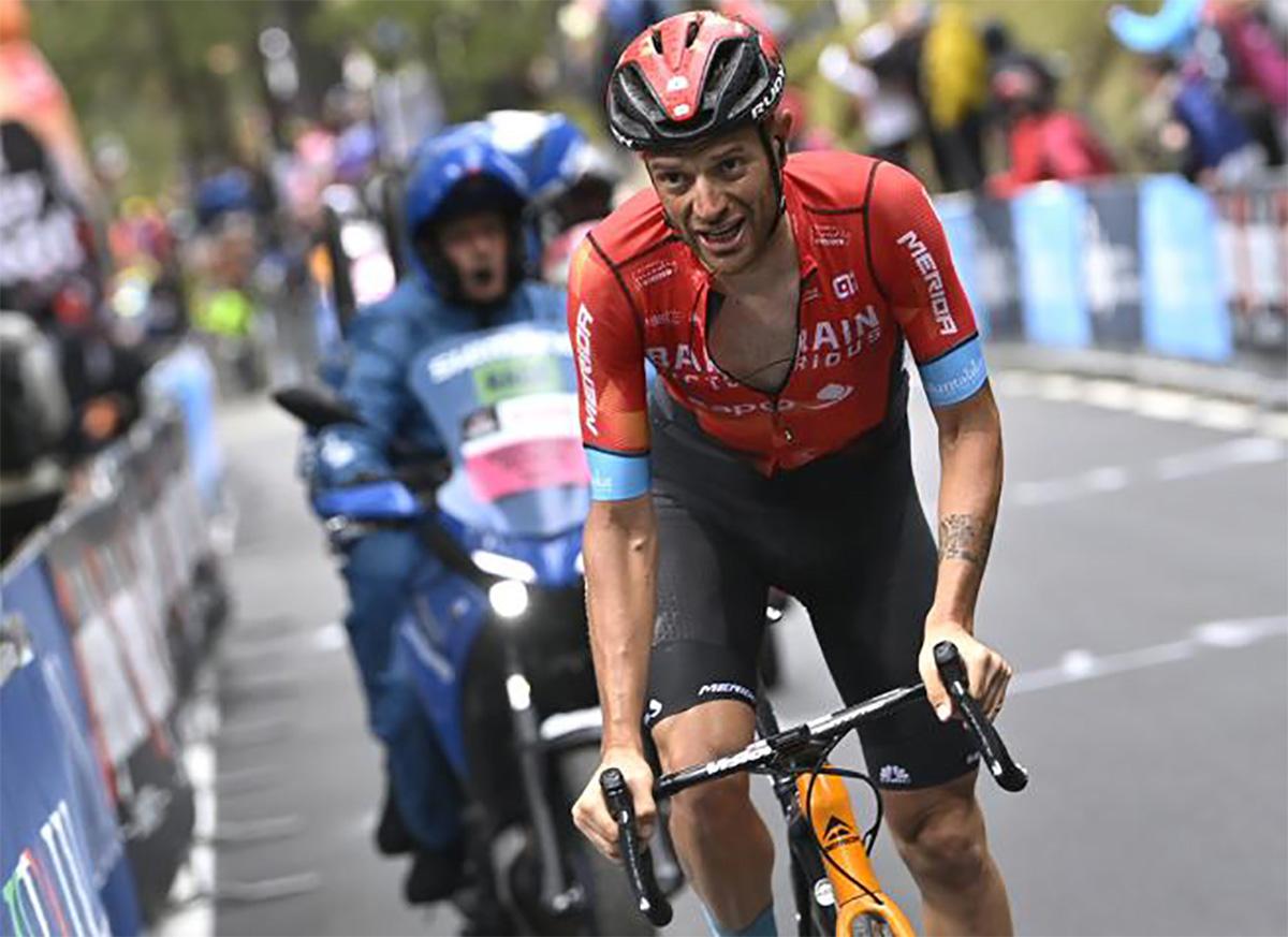 Uno scatto di Damiano Caruso durante il Giro D'Italia 2021