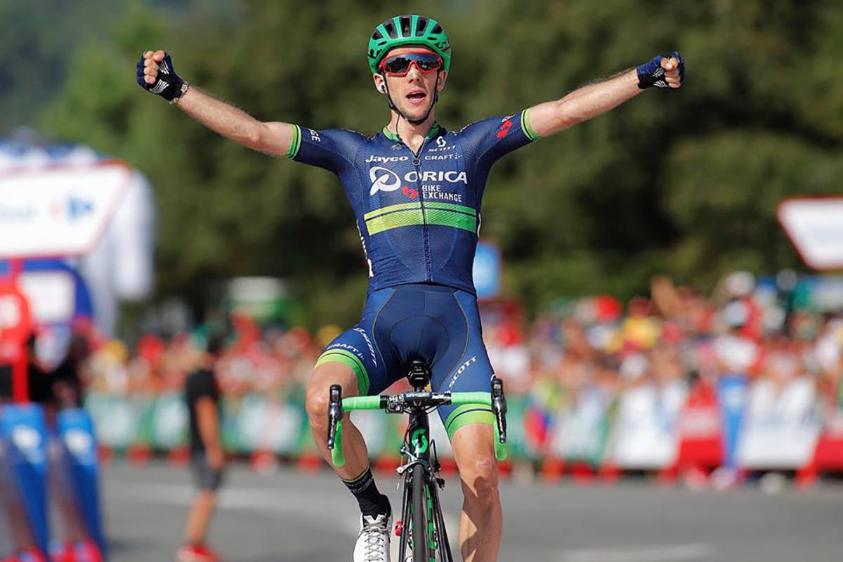 Il ciclista Simon Yates nel 2016.