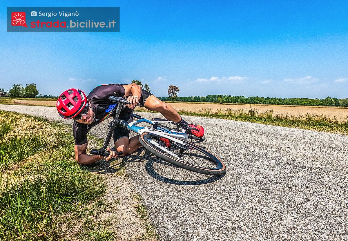 Sergio Viganò azzarda una piega con la nuova bici da corsa Scott Addict RC 10 2021