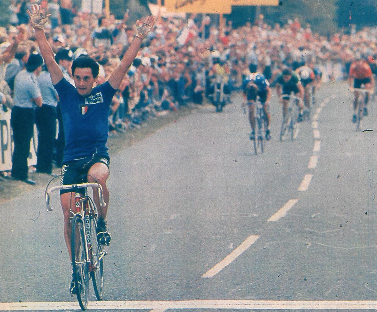 Giuseppe Saronni al traguardo del Mondiale di ciclismo del 1982