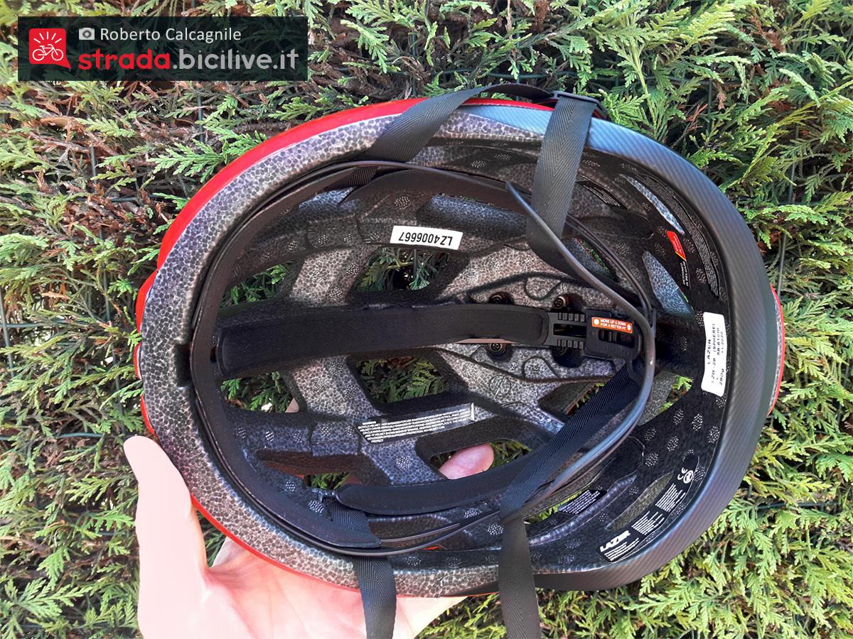 Dettaglio dell'imbottitura interna del nuovo casco per bici Lazer Sphere 2021