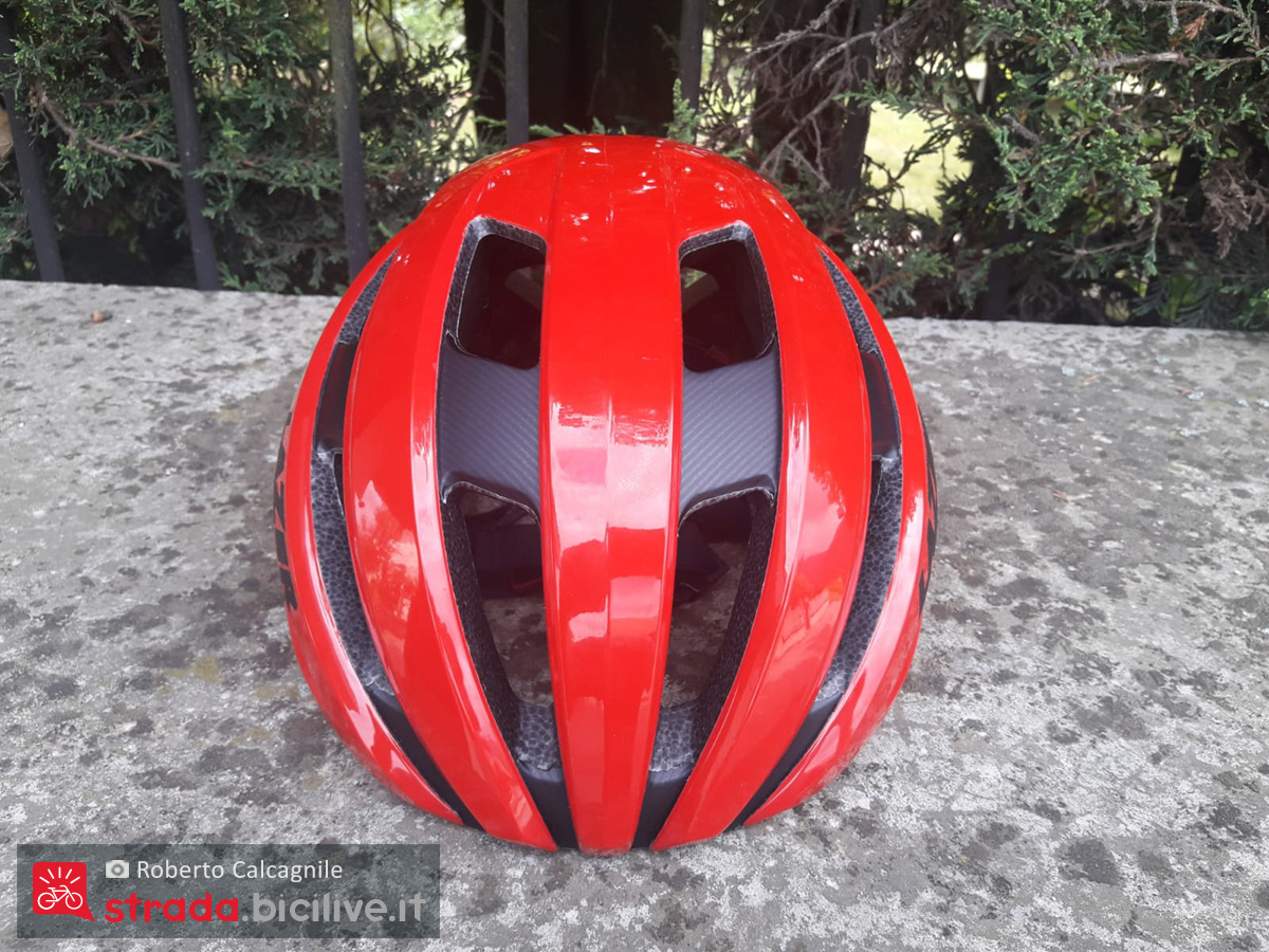 Il nuovo casco per bicicletta da strada Lazer Sphere visto dall'alto