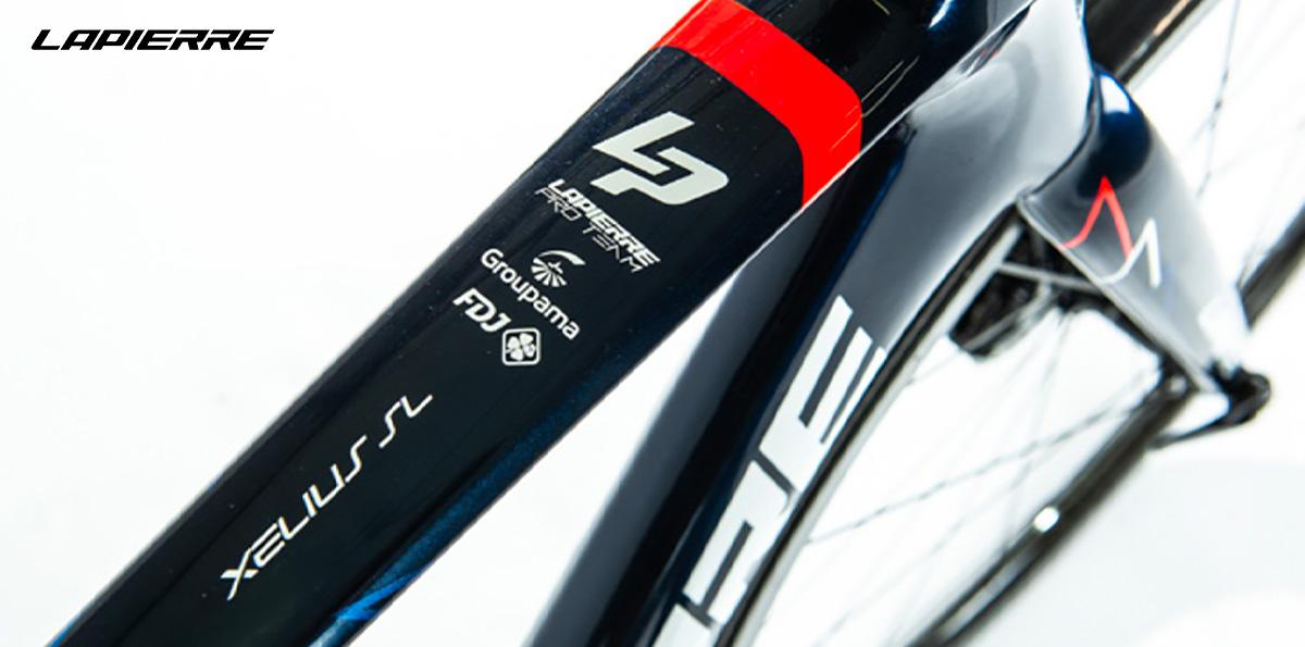 Dettaglio superiore del telaio superleggero della nuova bici da corsa Lapierre Xelius SL 2022