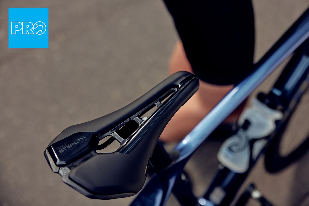 La nuova sella per bici da strada PRO Stealth Curved 2021