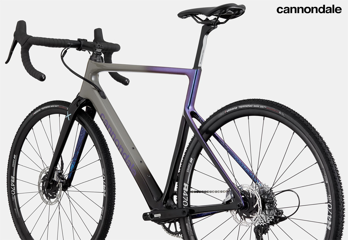 La nuova bici da gravel Cannondale Supersix Evo CX 2022 vista dal retro