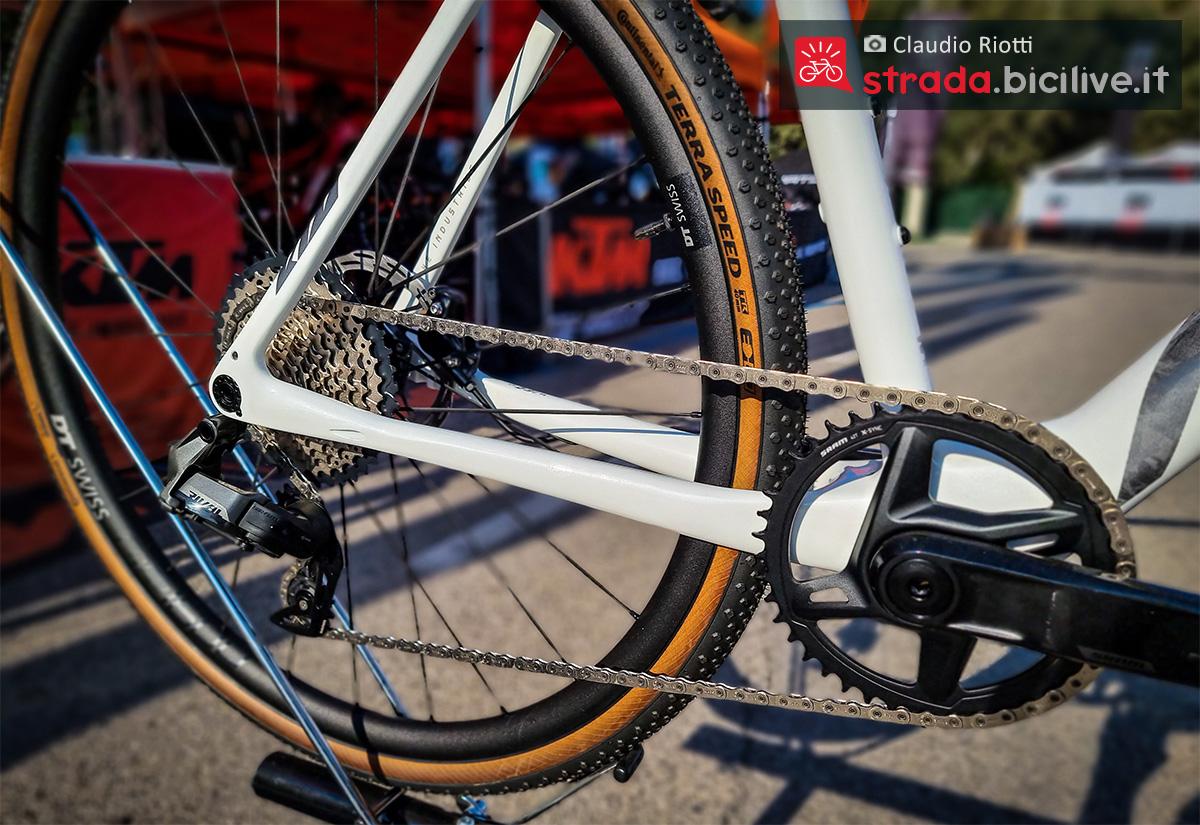 Dettaglio della trasmissione montata sulla nuova bici da gravel Ktm X-Strada Prime 2022